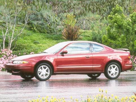 2000 oldsmobile alero gls coupe 2d pictures and videos. Black Bedroom Furniture Sets. Home Design Ideas