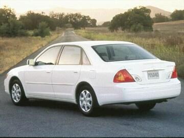 2000 Toyota Avalon Exterior