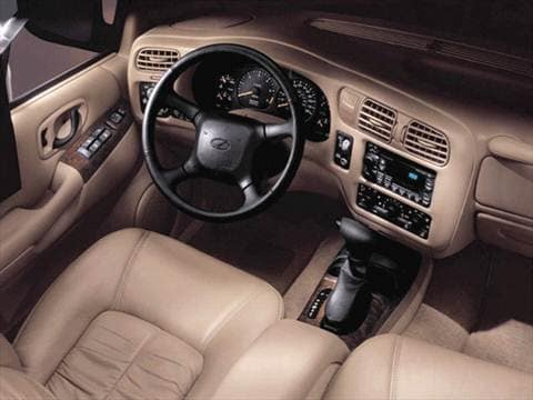 2001 oldsmobile bravada Interior