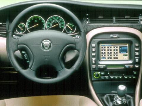 2002 jaguar x type Interior