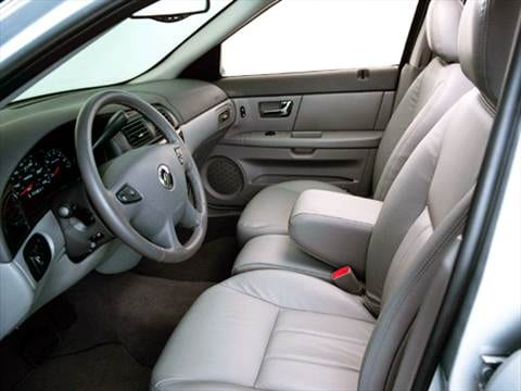 2004 mercury sable Interior
