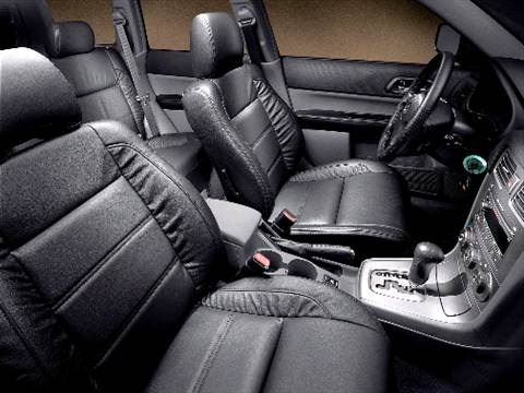 2004 subaru forester Interior