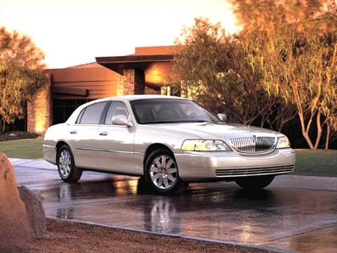 2005 Lincoln Town Car Pricing Ratings Reviews Kelley Blue Book