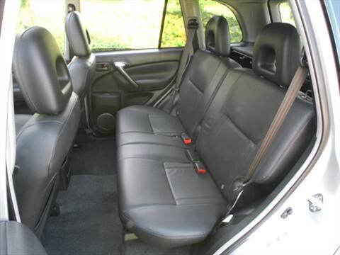 Toyota Rav4 2005 Interior >> 2005 Toyota Rav4 Pricing Ratings Reviews Kelley Blue Book