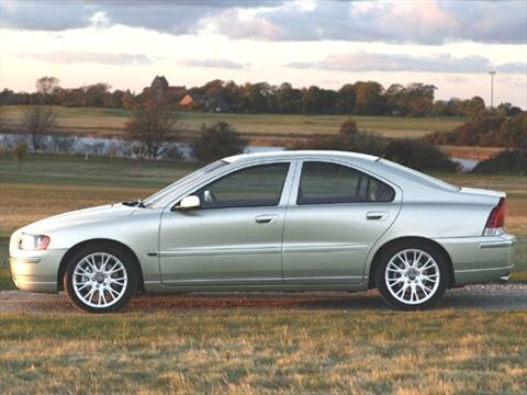 2005 Volvo S60 2.4 Sedan 4D Pictures and Videos | Kelley ...
