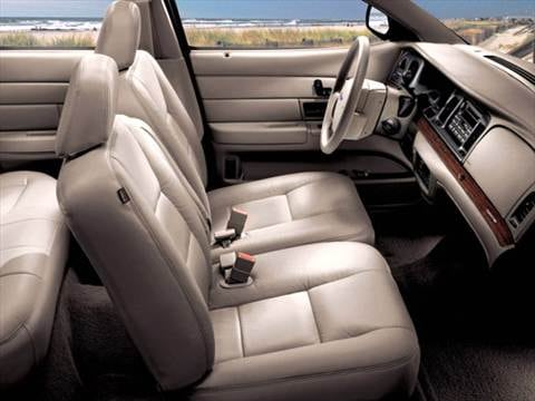 2006 ford crown victoria Interior