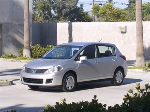 2007 Nissan Versa S Hatchback 4D  photo