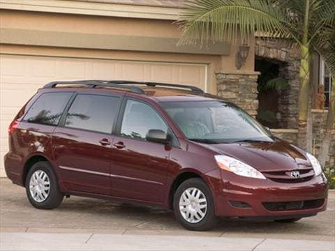 2008 toyota sienna pricing ratings reviews kelley blue book. Black Bedroom Furniture Sets. Home Design Ideas