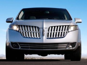 https://file.kbb.com/kbb/vehicleimage/housenew/480x360/2010/2010-lincoln-mkt-front_ltmkt104.jpg?interpolation=high-quality&downsize=360:*