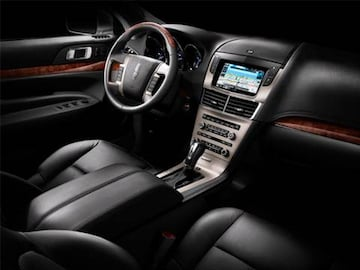https://file.kbb.com/kbb/vehicleimage/housenew/480x360/2010/2010-lincoln-mkt-frontrowseats_ltmktint1050.jpg?interpolation=high-quality&downsize=360:*