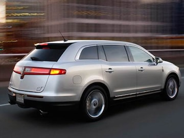https://file.kbb.com/kbb/vehicleimage/housenew/480x360/2010/2010-lincoln-mkt-rearside_ltmkt102.jpg?interpolation=high-quality&downsize=360:*