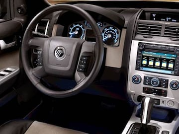 2010 Mercury Mariner Interior