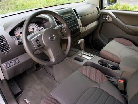 2010 nissan frontier king cab Interior