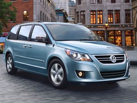 2010 Volkswagen Routan S Minivan 4D  photo