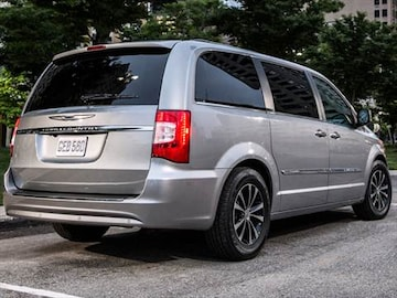 2016 Chrysler Town Country Exterior