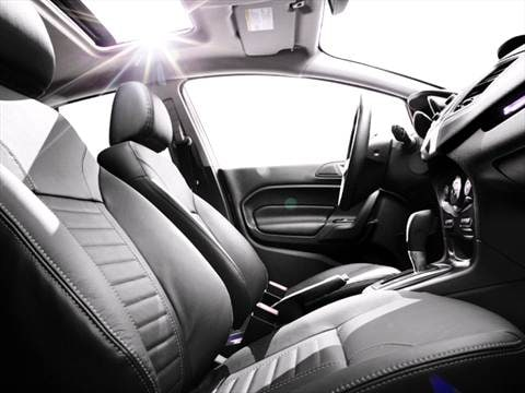 2016 ford fiesta Interior