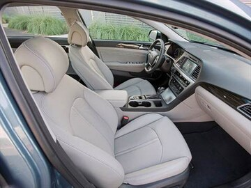 2017 Hyundai Sonata Plug In Hybrid Interior