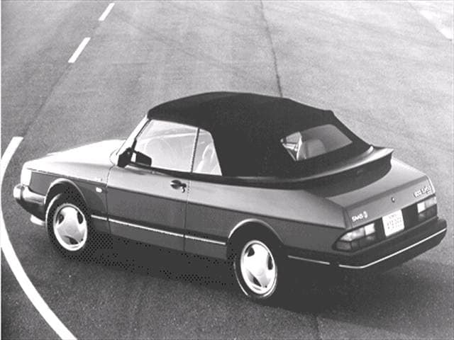 Most Fuel Efficient Luxury Vehicles of 1992 - 1992 Saab 900
