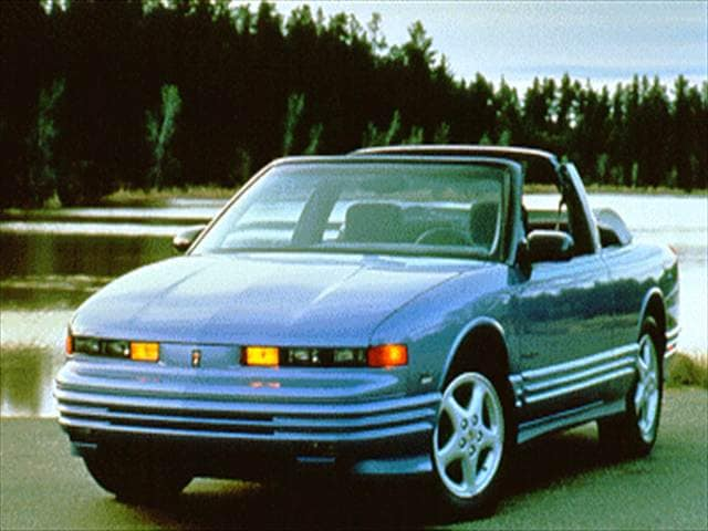 Most Fuel Efficient Convertibles of 1995 - 1995 Oldsmobile Cutlass Supreme