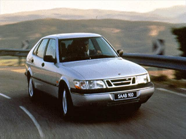 Most Fuel Efficient Luxury Vehicles of 1995 - 1995 Saab 900