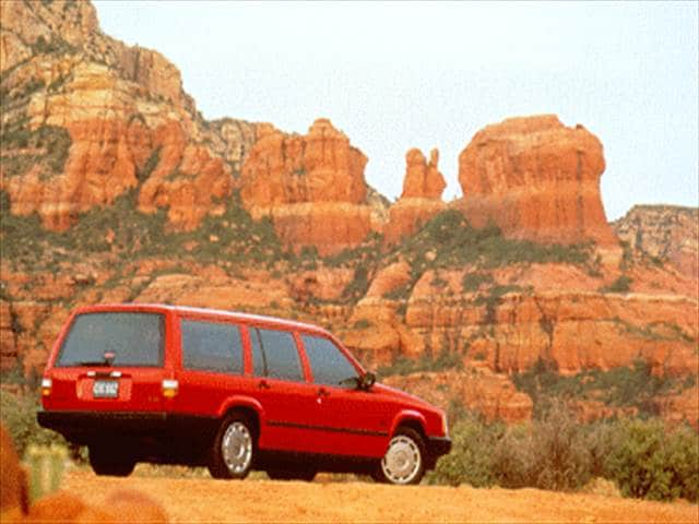 Most Fuel Efficient Wagons of 1995 - 1995 Volvo 940