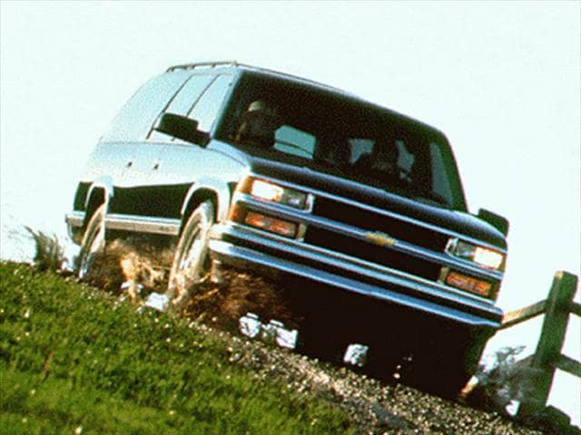 Top Consumer Rated SUVs of 1996 - 1996 Chevrolet Suburban 1500