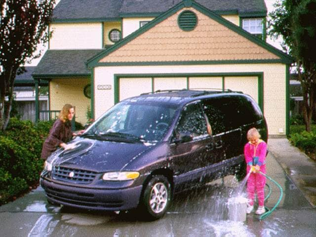 Most Fuel Efficient Vans/Minivans of 1996 - 1996 Plymouth Grand Voyager