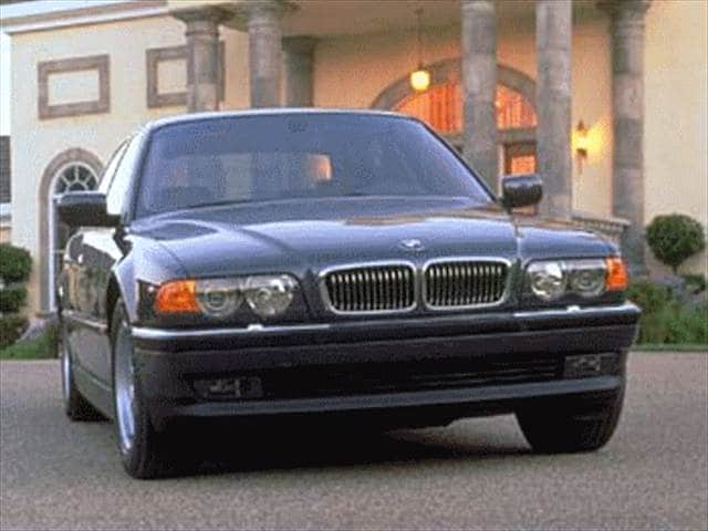 Highest Horsepower Luxury Vehicles of 1999 - 1999 BMW 7 Series
