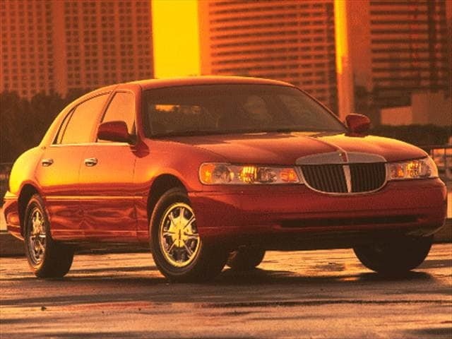 Top Consumer Rated Sedans of 1999 - 1999 Lincoln Town Car