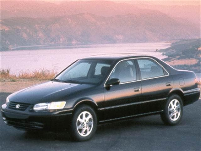 Most Popular Sedans of 1999 - 1999 Toyota Camry