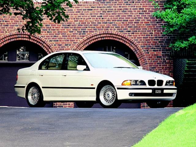 Most Popular Luxury Vehicles of 2000 - 2000 BMW 5 Series