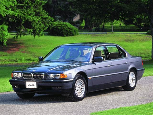 Highest Horsepower Luxury Vehicles of 2000 - 2000 BMW 7 Series