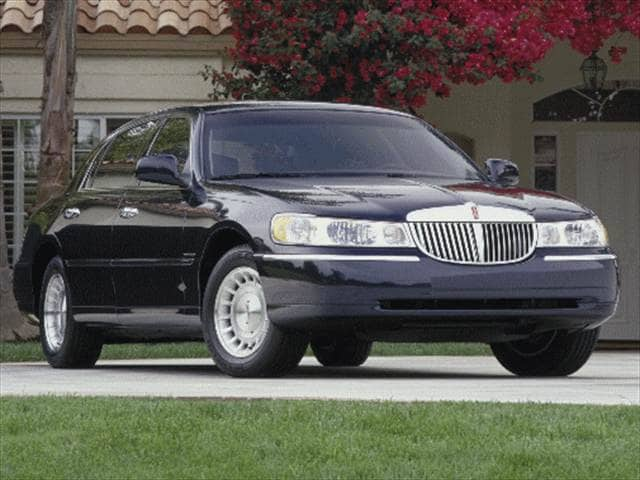 Most Popular Luxury Vehicles of 2000 - 2000 Lincoln Town Car