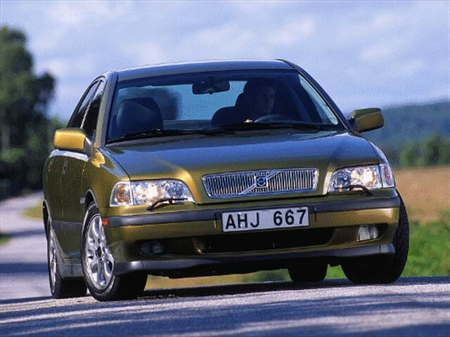 Most Fuel Efficient Luxury Vehicles of 2000 - 2000 Volvo S40