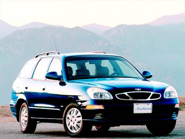 Most Fuel Efficient Wagons of 2001 - 2001 Daewoo Nubira