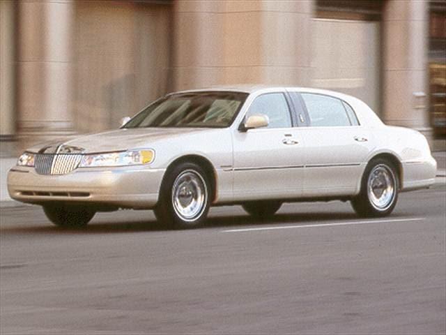2001 Lincoln Town Car Cartier Sedan 4d Used Car Prices Kelley Blue