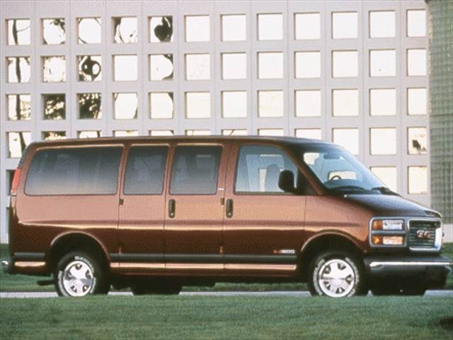 Highest Horsepower Vans/Minivans of 2002 - 2002 GMC Savana 1500 Cargo