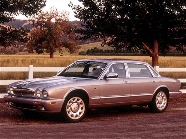Highest Horsepower Luxury Vehicles of 2002 - 2002 Jaguar XJ