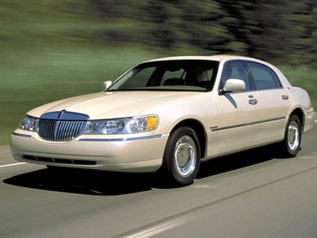 Top Consumer Rated Sedans of 2002 - 2002 Lincoln Town Car
