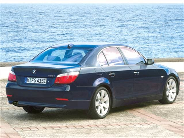 Most Fuel Efficient Luxury Vehicles of 2004 - 2004 BMW 5 Series