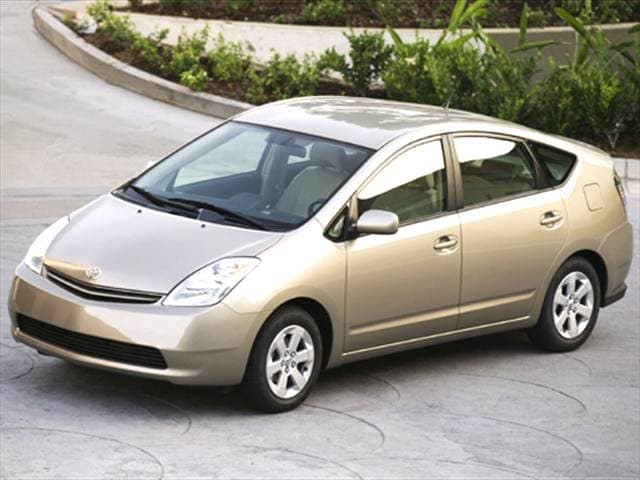 Most Fuel Efficient Sedans of 2005 - 2005 Toyota Prius