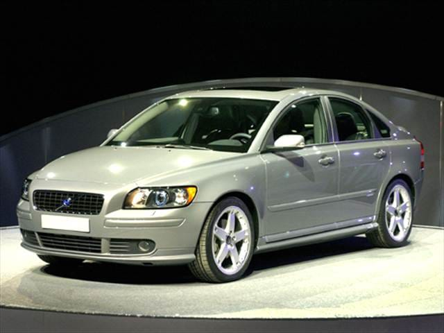 Most Fuel Efficient Luxury Vehicles of 2005 - 2005 Volvo S40