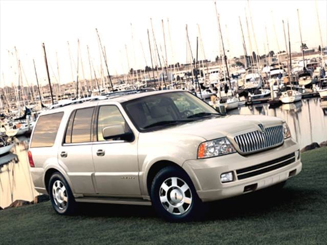 photos and videos 2013 lincoln navigator luxury vehicle history in pictures kelley blue book. Black Bedroom Furniture Sets. Home Design Ideas