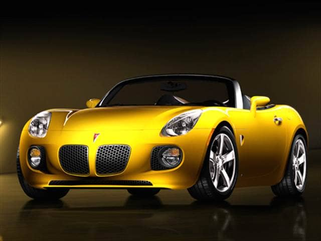 Most Fuel Efficient Convertibles of 2007 - 2007 Pontiac Solstice
