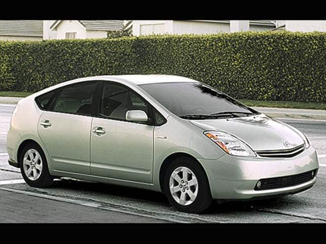 Most Fuel Efficient Sedans of 2007 - 2007 Toyota Prius