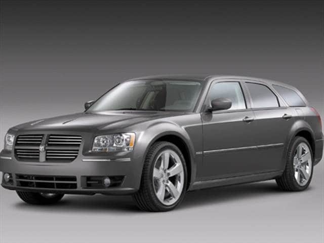 Highest Horsepower Wagons of 2008 - 2008 Dodge Magnum