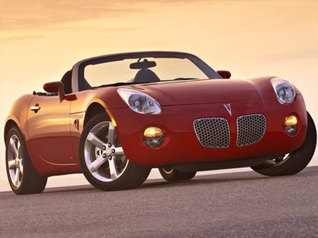 Most Fuel Efficient Convertibles of 2008 - 2008 Pontiac Solstice