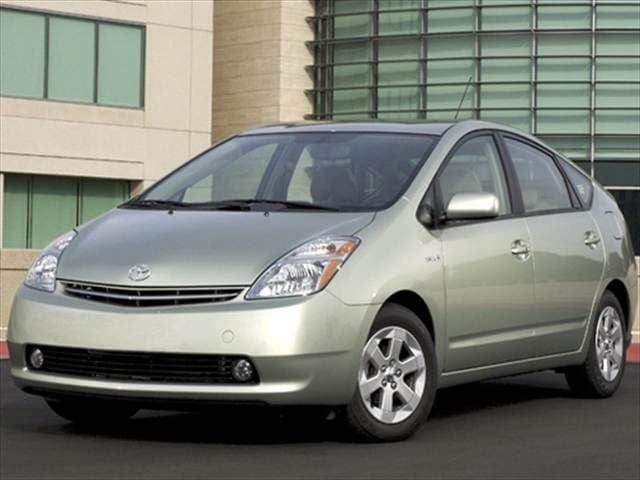 Most Fuel Efficient Sedans of 2008 - 2008 Toyota Prius