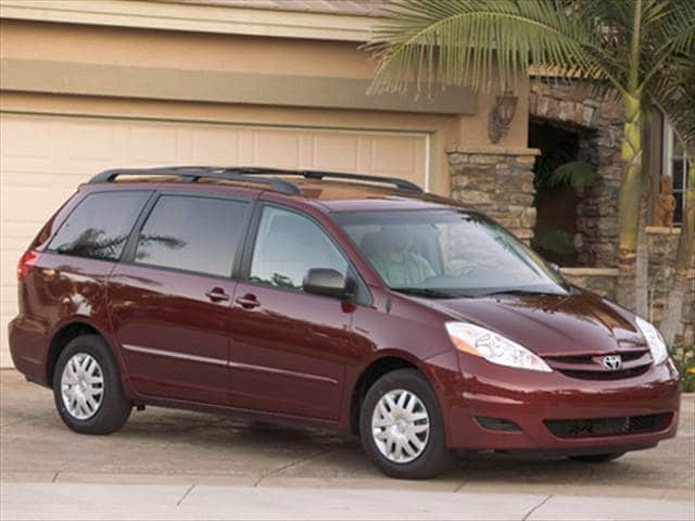 Most Fuel Efficient Vans/Minivans of 2008 - 2008 Toyota Sienna