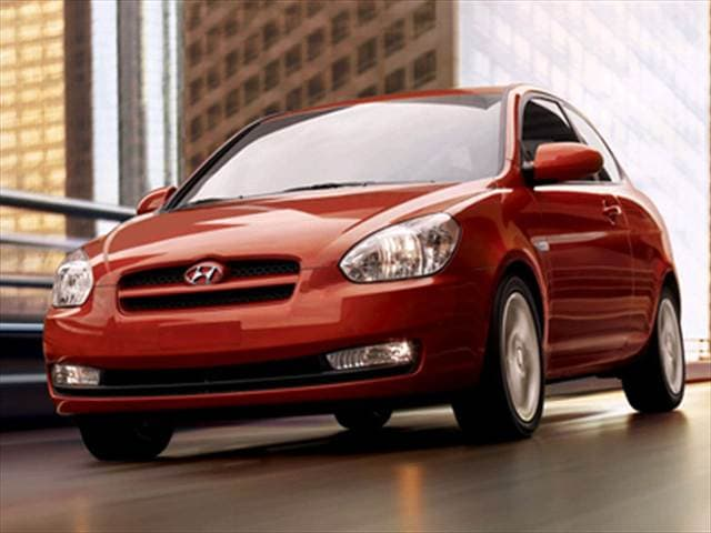 Most Fuel Efficient Coupes of 2010 - 2010 Hyundai Accent
